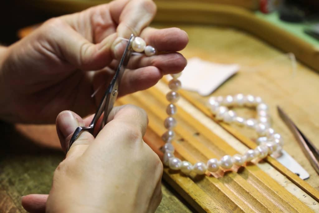 Atlanta jeweler making a custom designed womens necklace